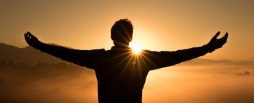 ¿Por qué los cristianos adoran a Jesús como Dios?